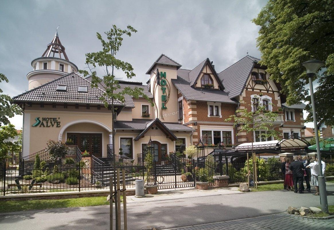 Hotel, Restauracja Salve