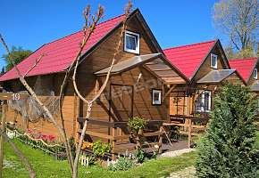 Holiday Cottage Pod Cyprysami