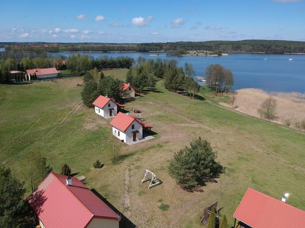 Domki z bezpośrednim dojściem do jeziora