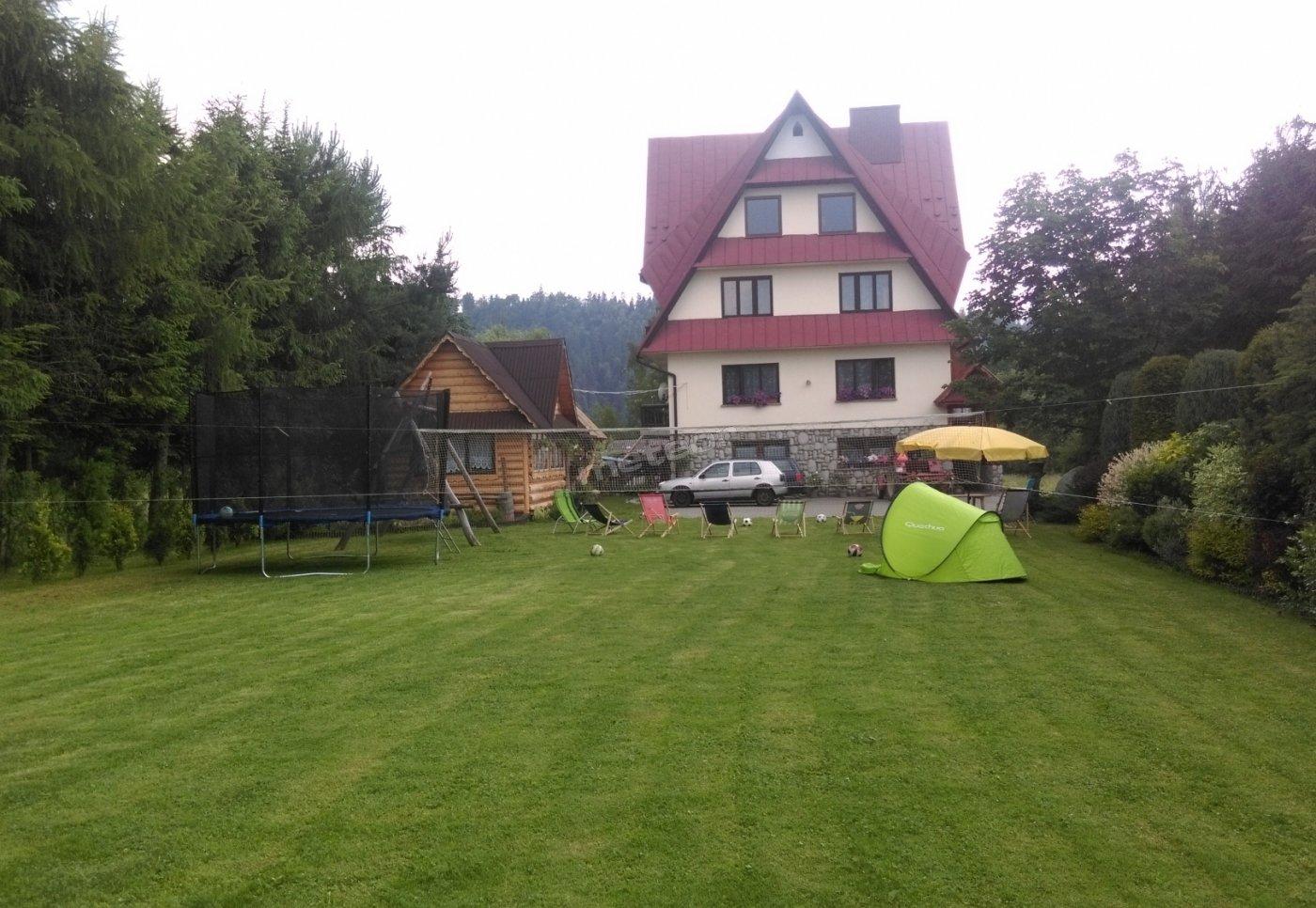 Front Domu z ogrodem :D