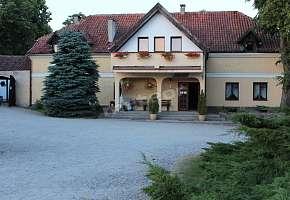 Folwark Tumiany Pokoje & Restauracja