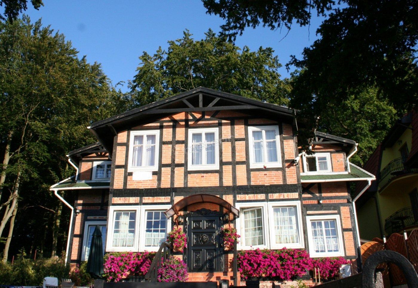 Villa Lew