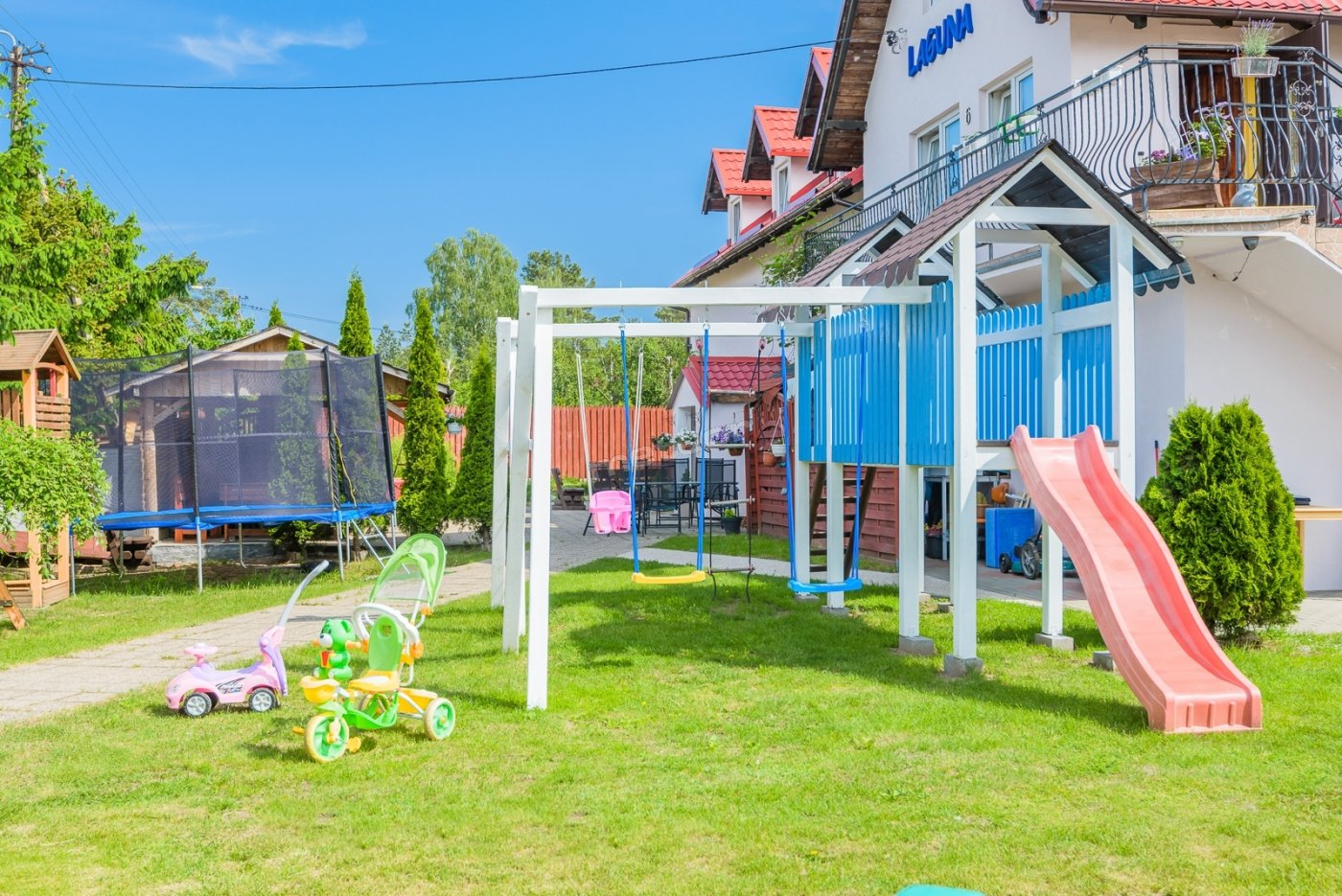 Plac zabaw ,trampolina ,basen ,zabawki dla dzieci .Zapraszamy