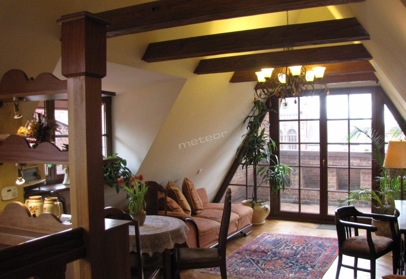 Apartament VIII z balkonem