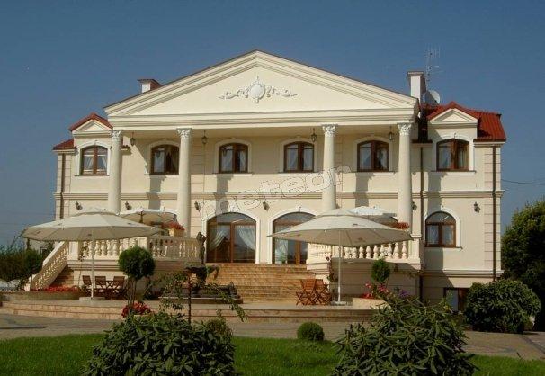 Hotel Pałac Akropol