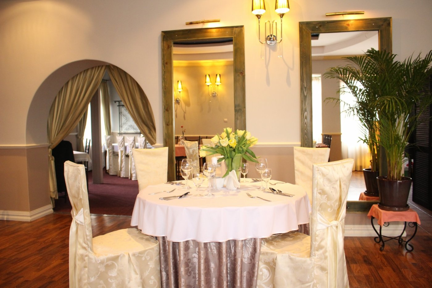 Pokoje Gościnne, Restauracja Piano Cafe