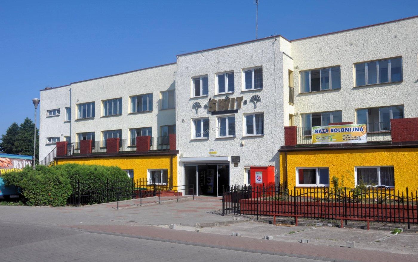 ŚWIT - budynek - widok od frontu