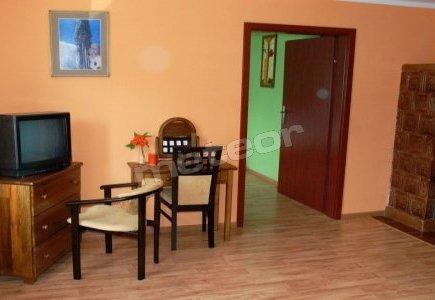 Pokój pomarańczowy - łazienka z ubikacją, TV, Internet, piec kaflowy. Możliwość napalenia w piecu kaflowym.