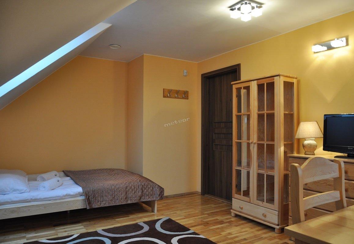 Pokój #2 w willi (I piętro)
