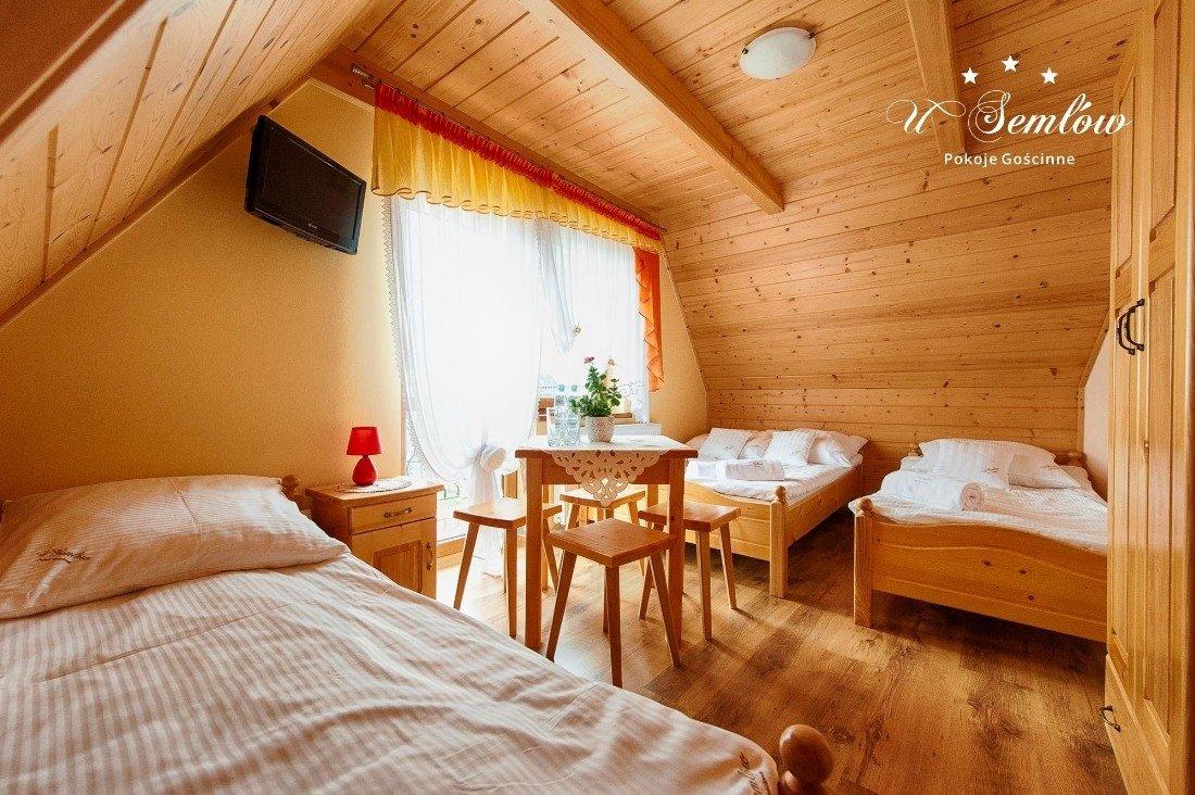 U Semlów - pokój wykończony w drewnie