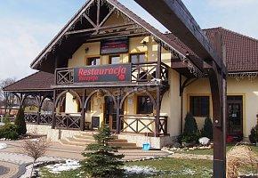 Tajemniczy Ogród Szczytna Restauracja i Noclegi