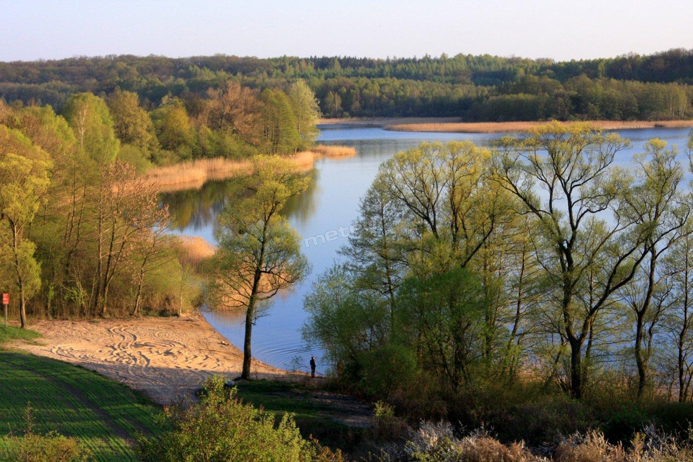 jezioro w pobliżu domu