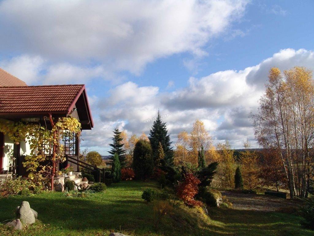 jesienny widok na dom i ogród -więcej zdjęć na stronie www.mykowagora.pl