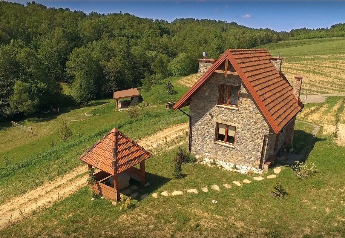 Kamienny domek - widok z lotu ptaka