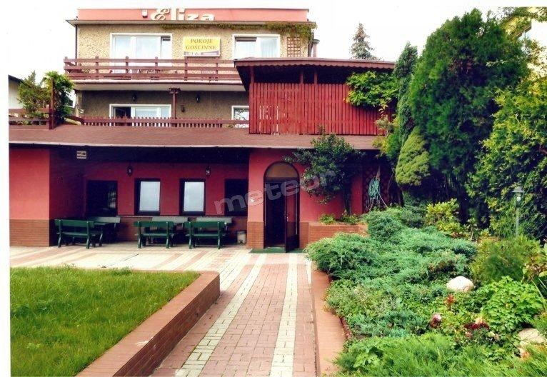 Pokoje Gościnne, widok od strony ulicy Polna Droga.