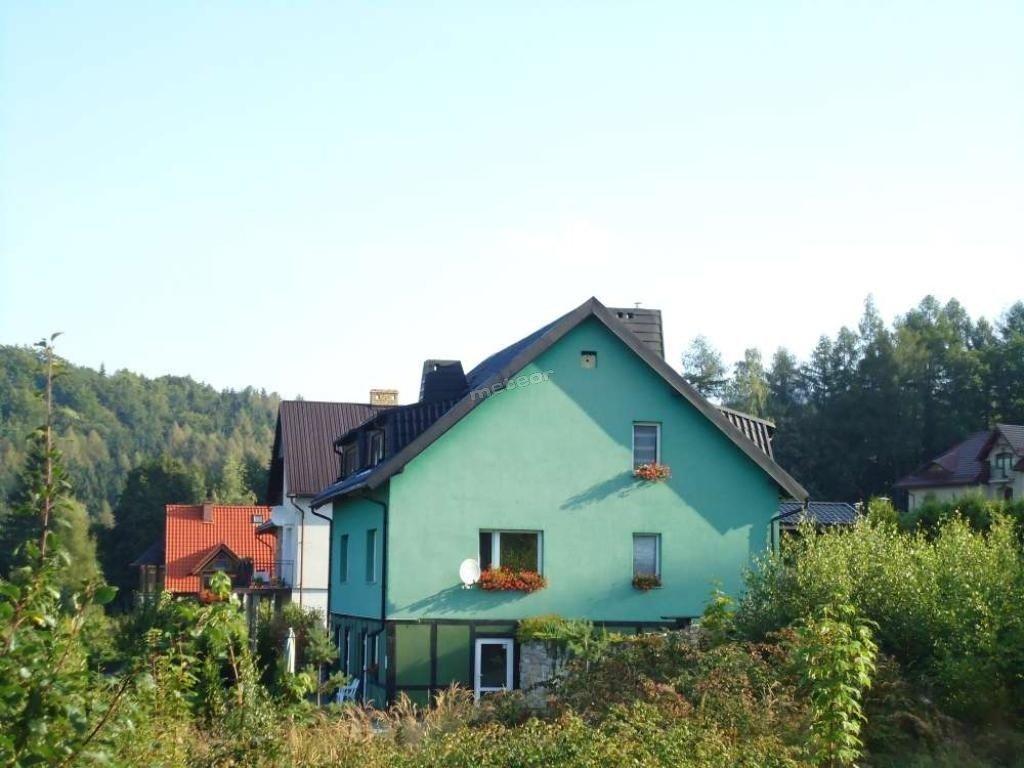 dom na skraju Parku Narodowego Gor stołowych. Kontakt wyłacznie z włascicielem Miroslaw Pogodzinski.