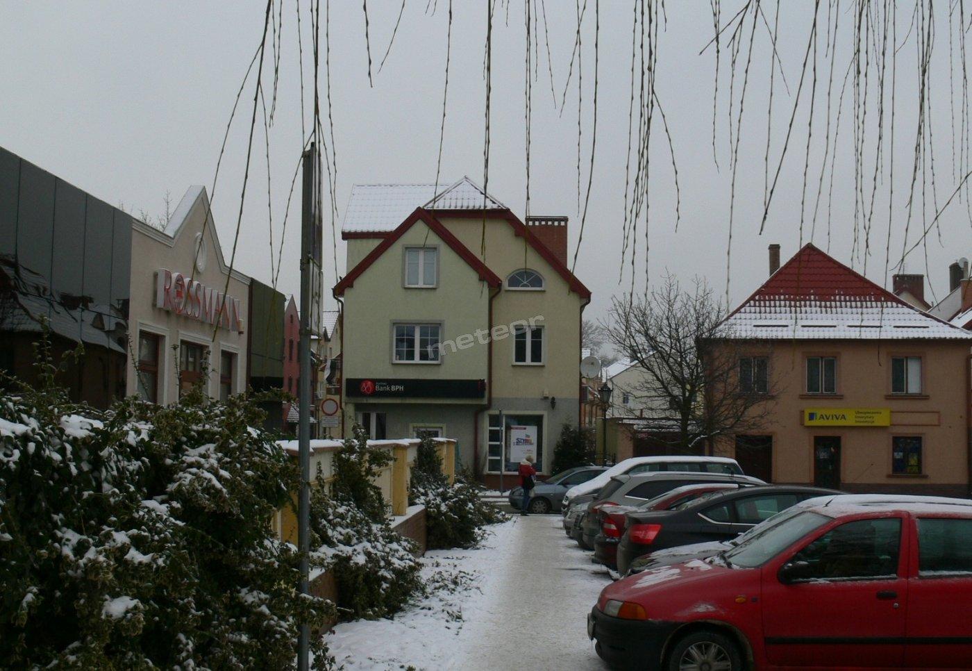 widok na budynek od strony rynku