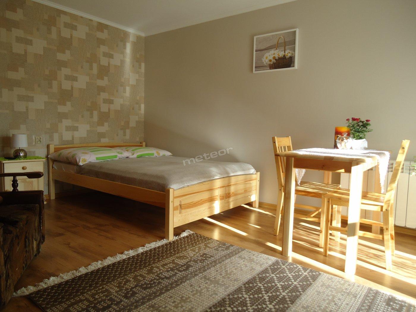Pokój dwuosobowy z łazienką,balkonem,aneks kuchenny