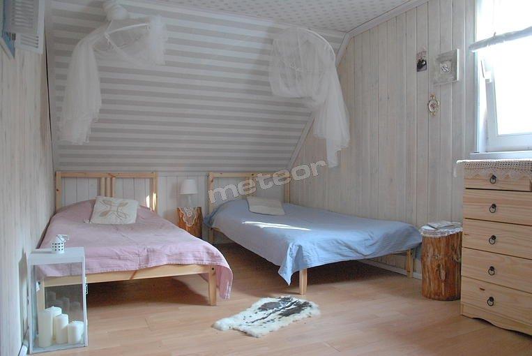 4 łóżka pojedyncze + 1 łóżko dwuosobowe + narożnik dwuosobowy