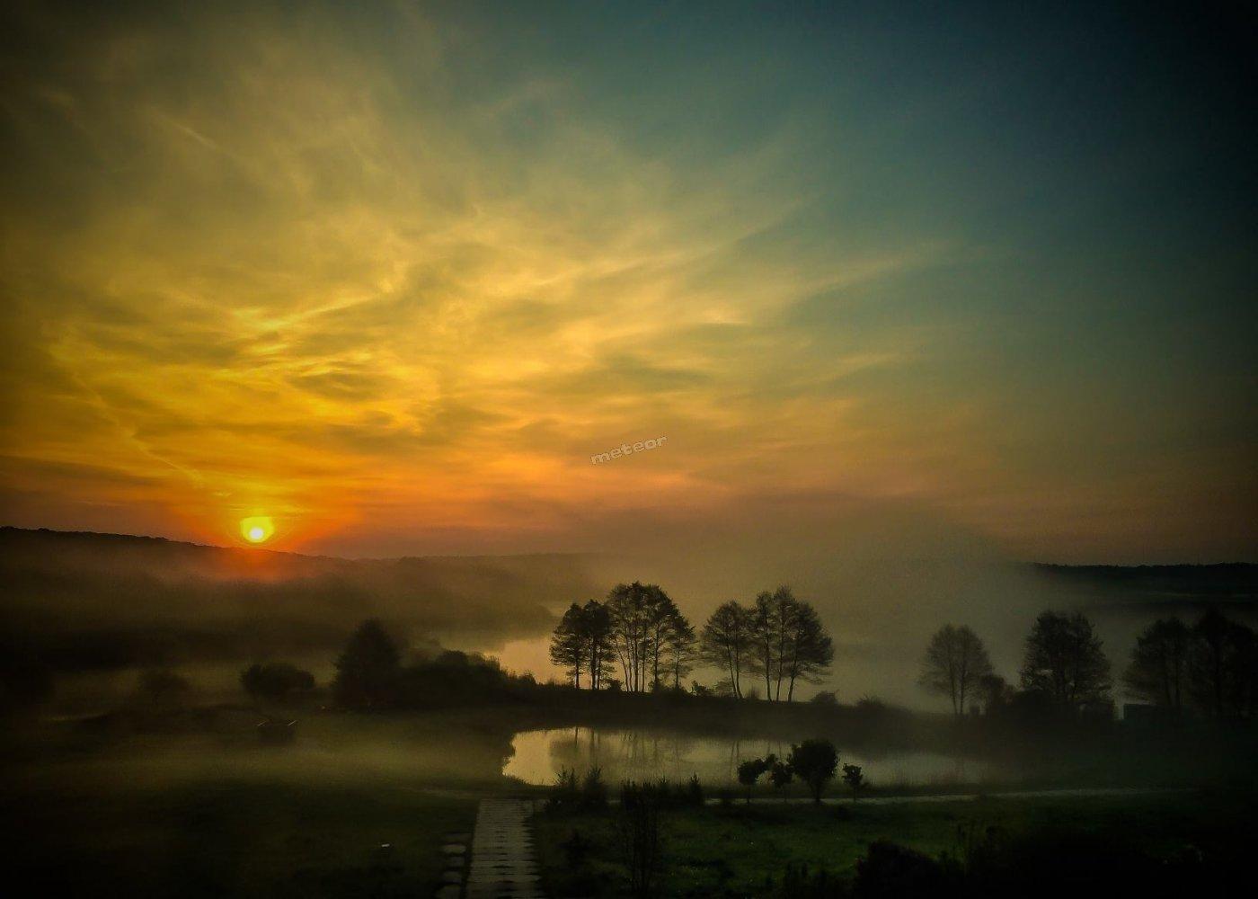 Wschód słońca w Promnie