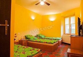Green Hostel 24