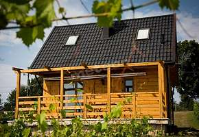 Winnica nad Źródłem - Domki w Winnicy