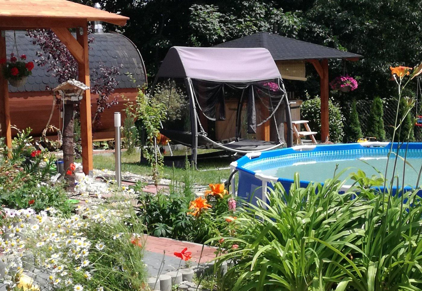 ogród dla gości Willa Na Górce , sauna , jakuzi , hamak , basen