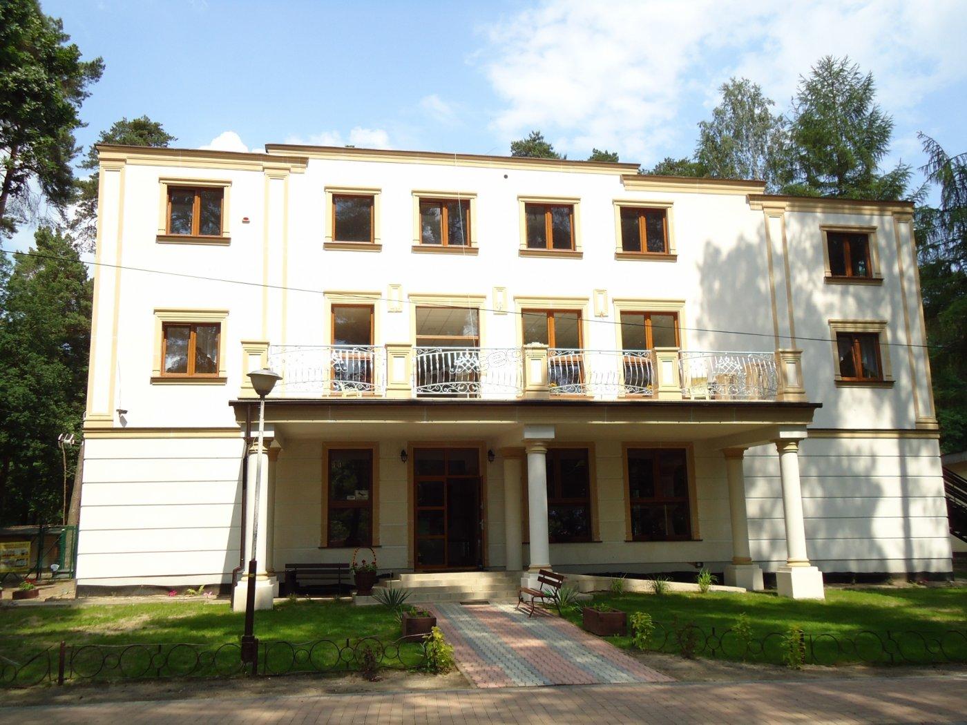 PENSJONAT-HOTEL-wejście