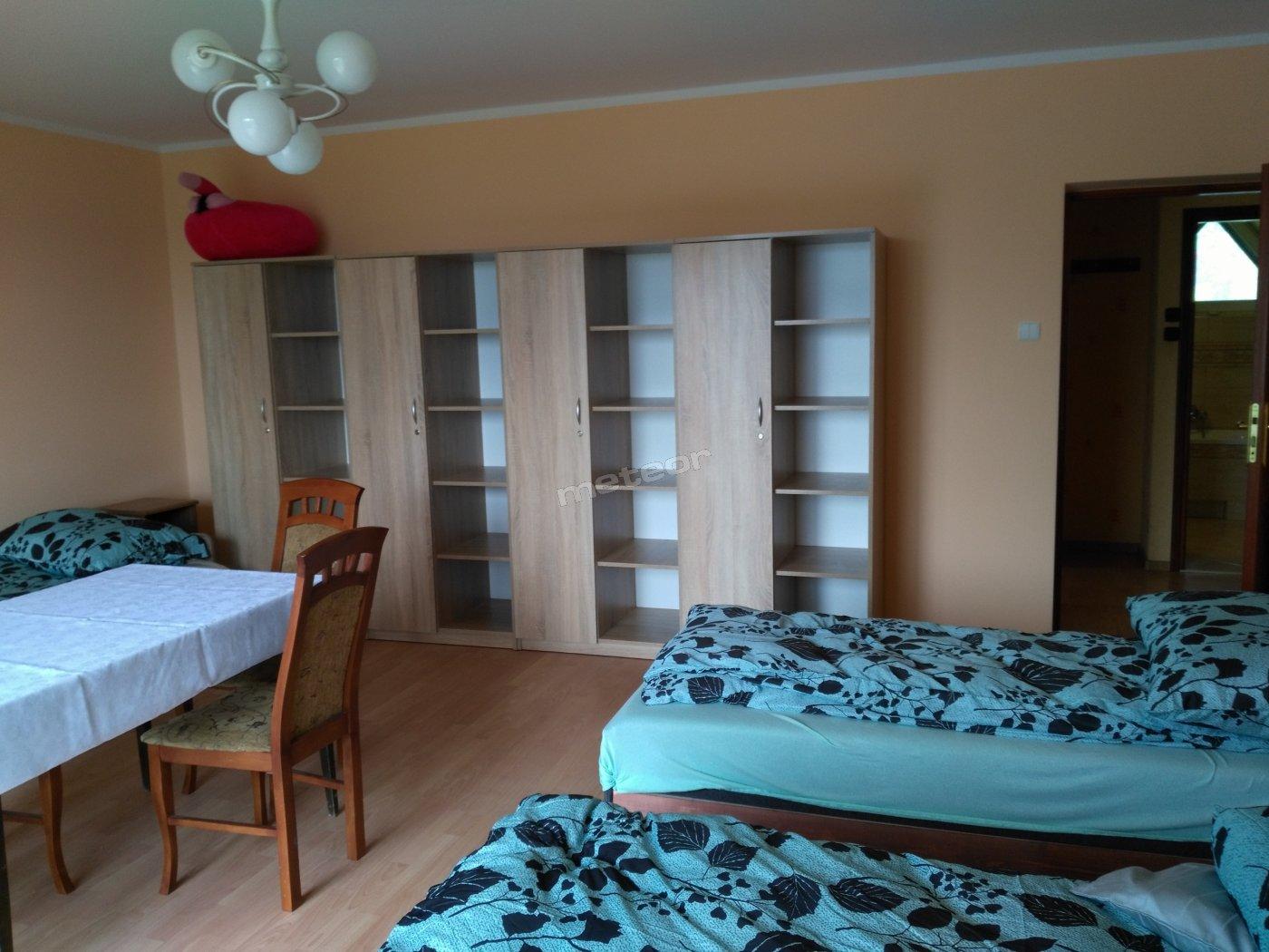 pokój 4-osobowy z balkonem , przestrzenny ,jasny z pięknym  widokiem na okolice