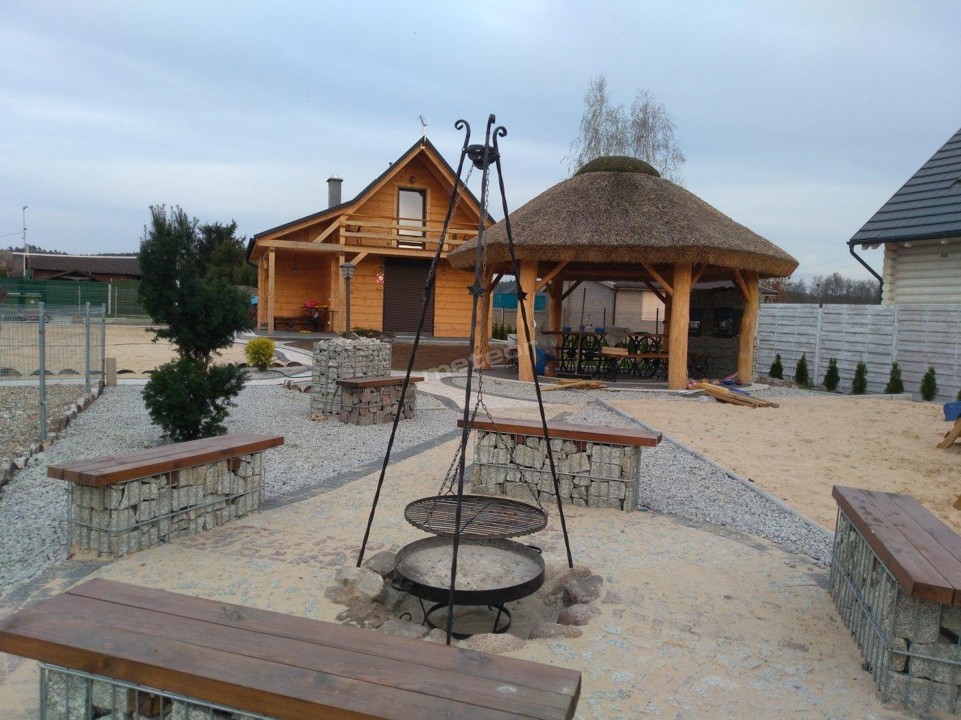 Bacówki nad jeziorem Goszcza