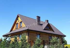 Drewniana Chata w Polu