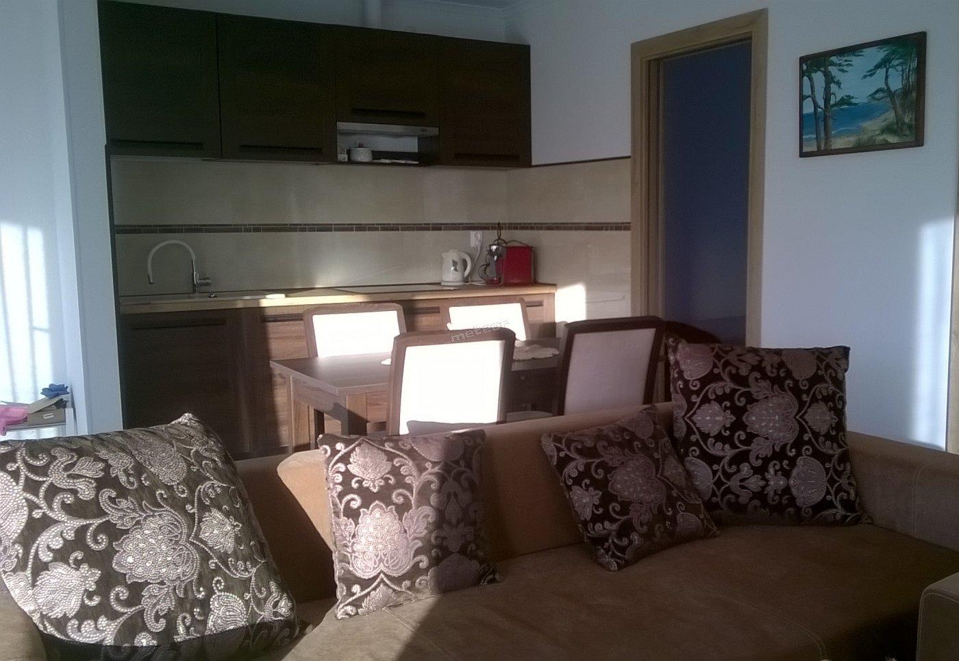 rozkładana sofa w salonie,wi fi i tv z netflixem