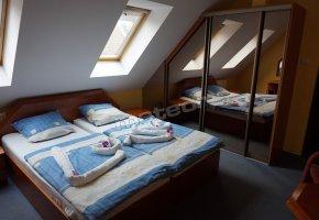 Restaurant Pod Lipami - Guest Rooms Malta