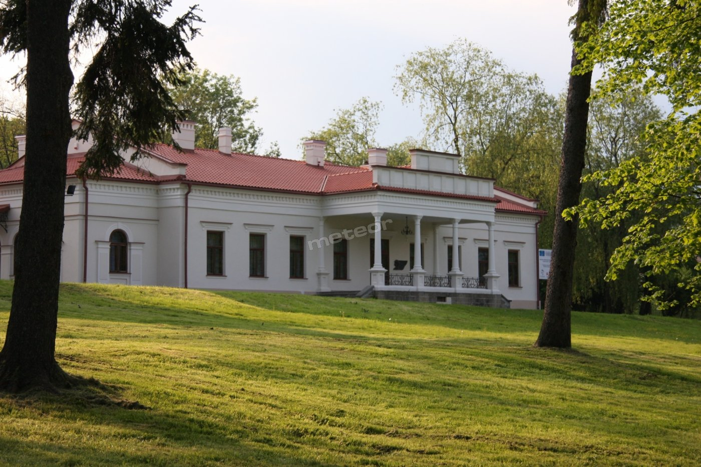 Noclegi w Kompleksie Dworsko-Parkowym