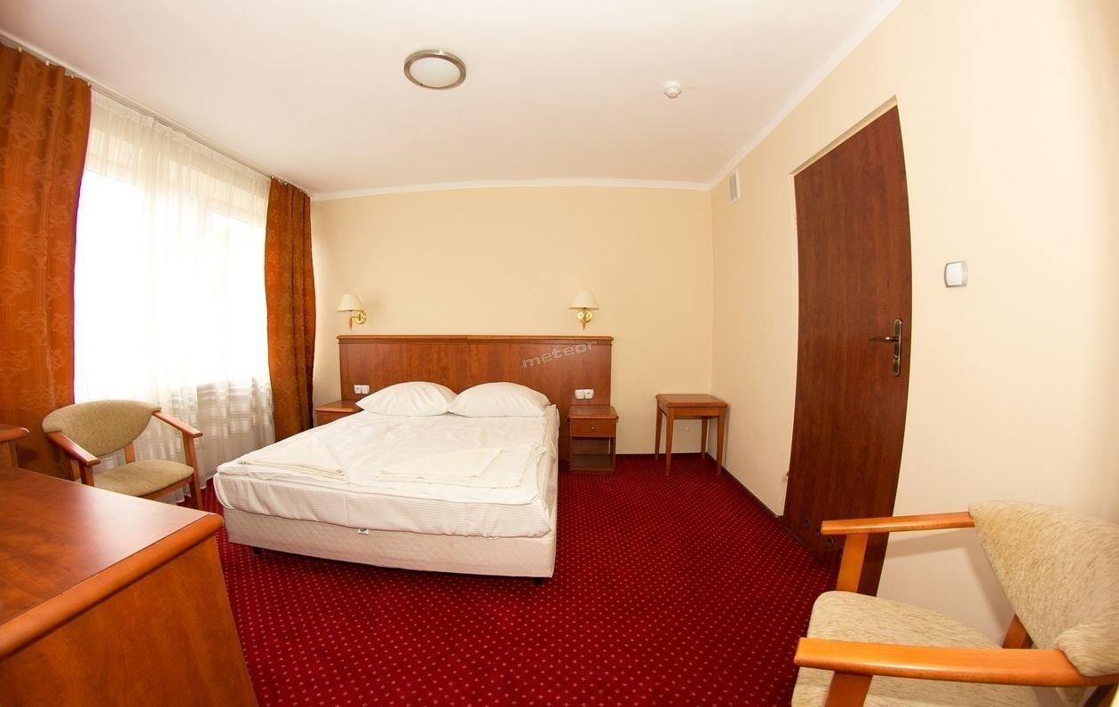 Hotel Arkadia w Kielcach prawdopodobnie najtańszy Ekonomiczny Hotel w mieście, oferuje miejsca noclegowe na każdą kieszeń. Wygodnie, czysto i przytulnie. Blisko centrum miasta.