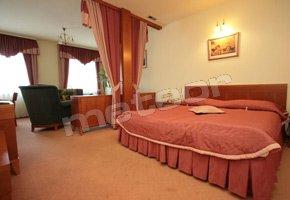 Hotel - Restauracja Piwnica Rycerska
