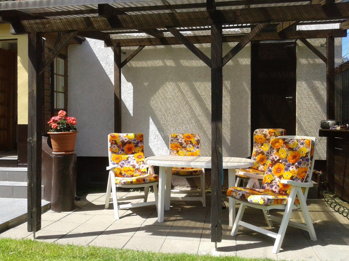 Miejsce przy którym mogą Państwo wypić poranną kawę oraz zjeść potrawy przygotowane na grillu :)