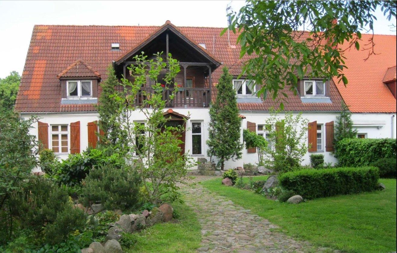 Zdjęcie przedstawia nasz gościnny dom , do którego zapraszamy przez cały rok