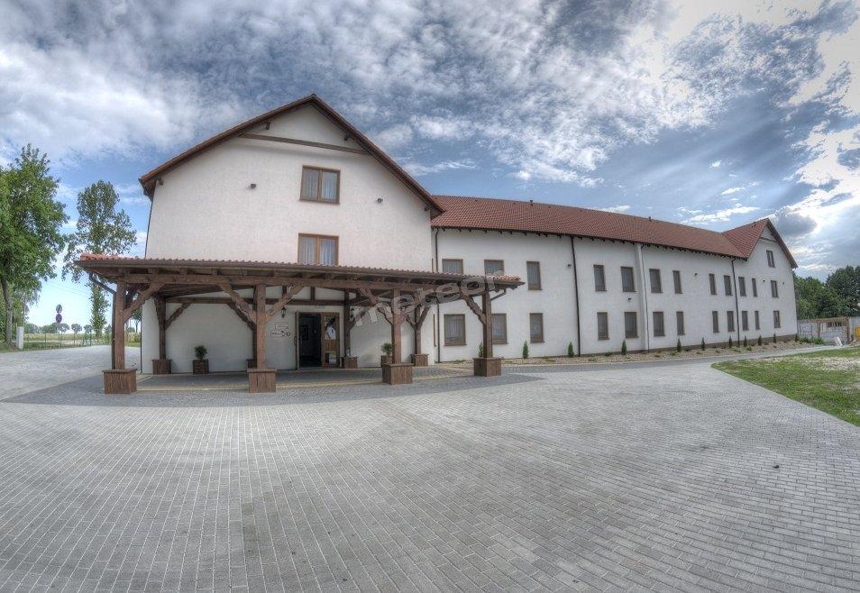 Zajazd w Biskupinie budynek noclegowy